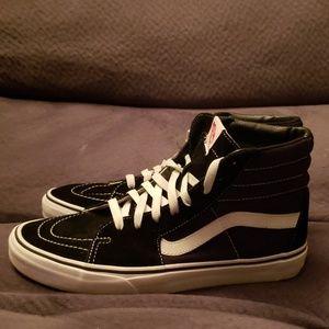 Mens sz 10 Van's Sk8-Hightop sneaker Black/white